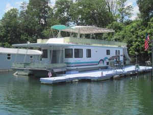 Used Aqua Chalet 16 X 68 Widebody House Boat For Sale