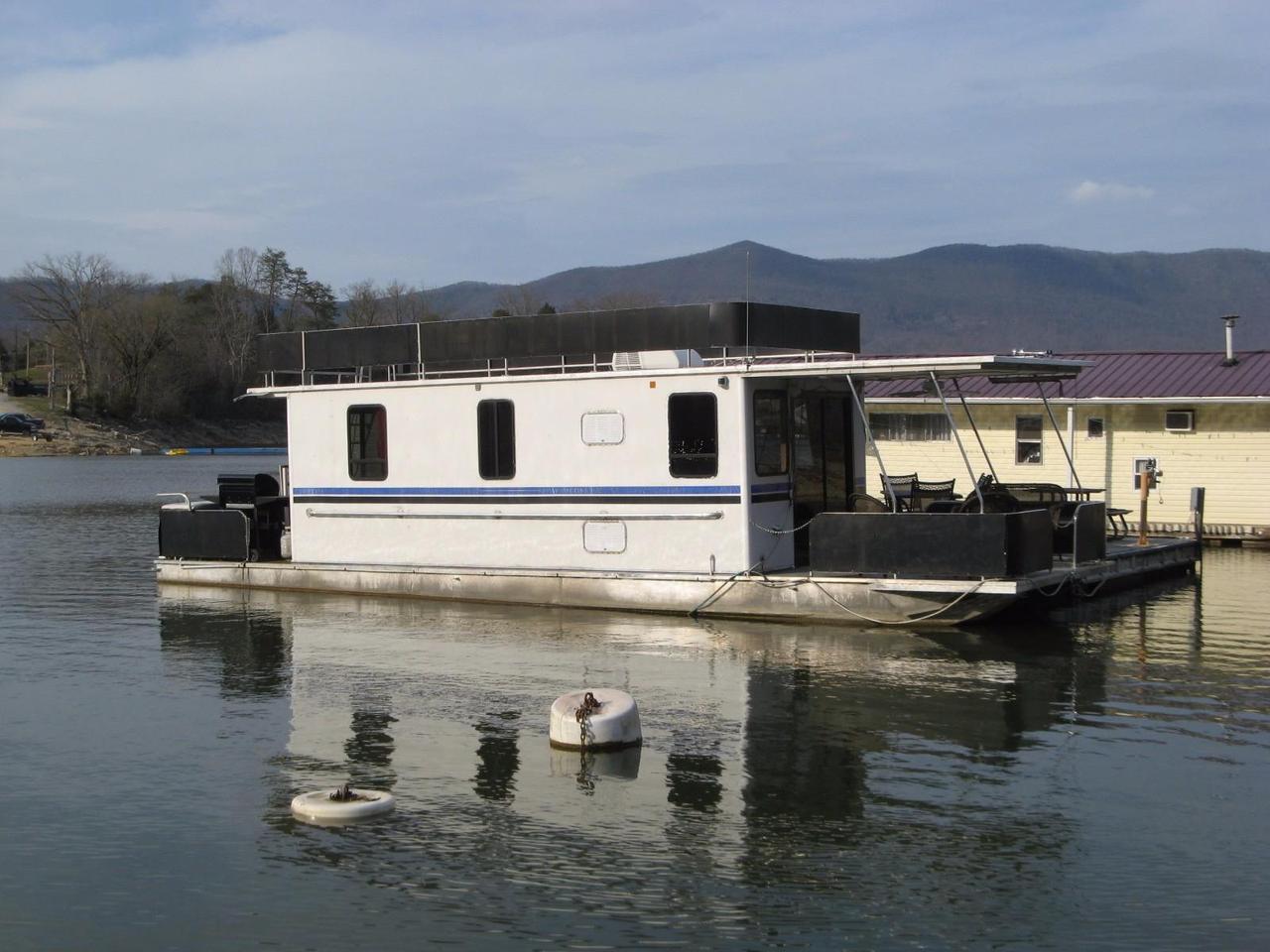 1999 Used Horizon 10 X 42WB Pontoon Houseboat Pontoon Boat