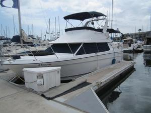 Used Bayliner 2858 Flybridge Boat For Sale