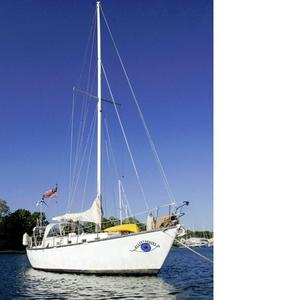 Used Brewer Huromic 35 Cruiser Sailboat For Sale