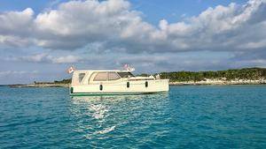 Used Greenline 33 Hybrid Motor Yacht For Sale