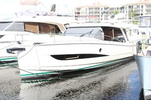 New Greenline 39 Solar Motor Yacht For Sale