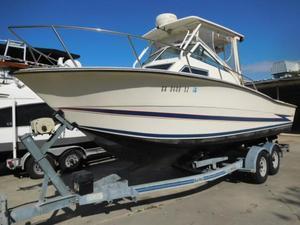 Used Hydra-Sports 2550 Walkaround Cuddy Cabin Boat For Sale