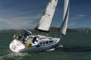 Used Hunter 320 Racer and Cruiser Sailboat For Sale