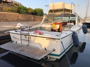 Used Riva Bertram 25 Flybridge Boat For Sale