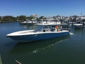 Used Invincible 42 Center Cabin Center Console Fishing Boat For Sale