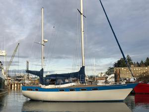 Used Wauquiez 43 Amphitrite Cruiser Sailboat For Sale
