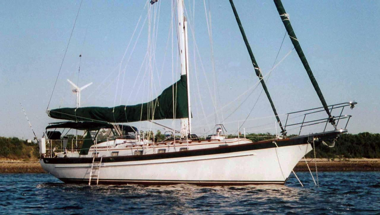 2006 Used Chuck Paine 42 Cruiser Sailboat For Sale