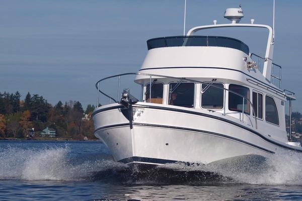 New Helmsman Trawlers 31 Sedan Motor Yacht For Sale