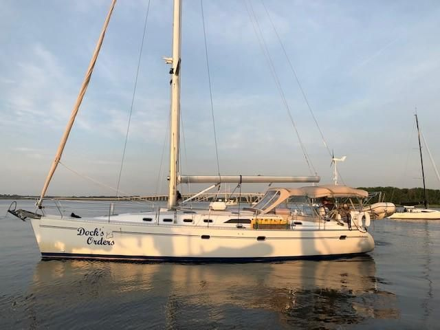 1999 Used Catalina 470 Cruiser Sailboat For Sale - $185,000