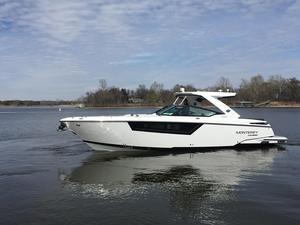 New Monterey 378se Bowrider Boat For Sale