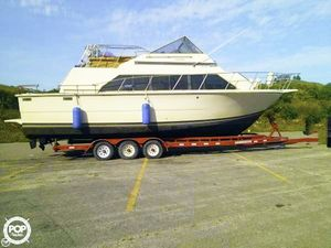 Used Carver Mariner 3396 Express Cruiser Boat For Sale