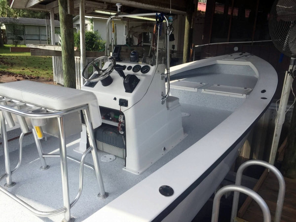 Used Pro-Line PRO 24 Center Console Fishing Boat For Sale