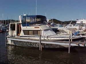 Used Burns Craft Aft Cabin Motor Yacht Aft Cabin Boat For Sale