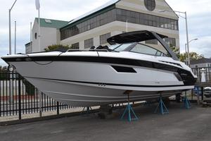 New Cruisers 338 Sports Cruiser Boat For Sale