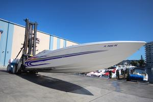 Used Apache 36 High Performance Boat For Sale