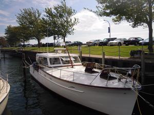 Used Matthews Convertible Sedan Convertible Fishing Boat For Sale