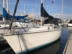 Used Hunter 33.5 Daysailer Sailboat For Sale
