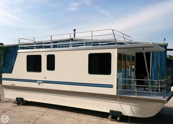 Used Catamaran Cruisers 10 x 35 House Boat For Sale