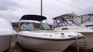 Used Boston Whaler 230 Vantage Cruiser Boat For Sale