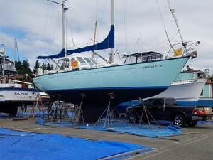 Used Spencer 1330 Center Cockpit Sailboat For Sale