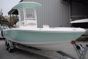 New Robalo 246 Cayman Center Console Fishing Boat For Sale