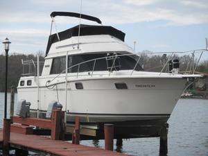 Used Carver 3207 Aft Cabin Cruiser Boat For Sale