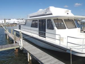 Used Gibson 5500 LS House Boat For Sale