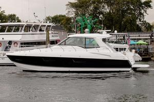 New Cruisers 48 Cantius Express Cruiser Boat For Sale