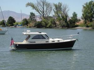 Used Legacy Hardtop Express Cruiser Boat For Sale