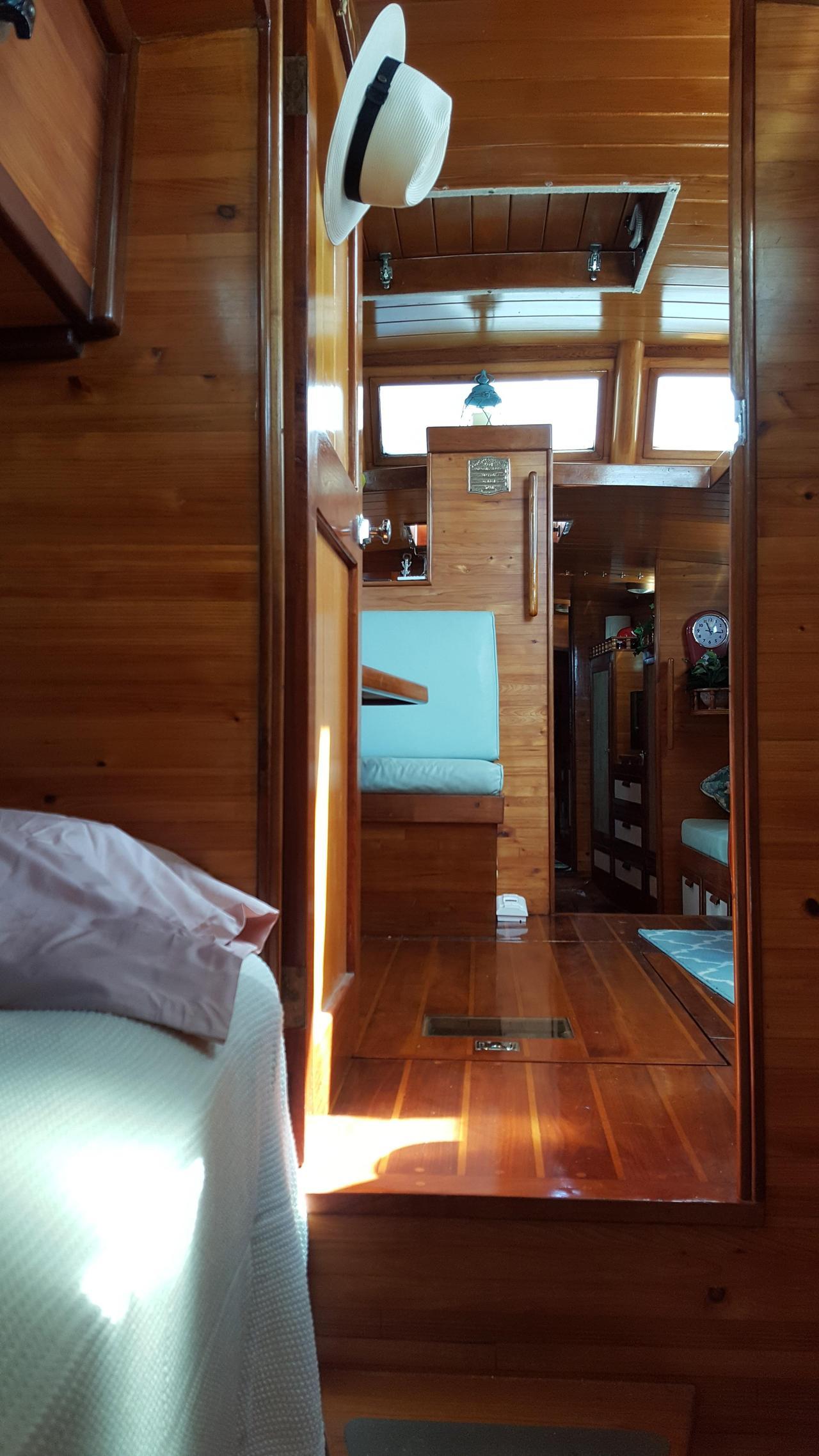 1993 Used Custom Chuck Paine Cruiser Sailboat For Sale - $170,000