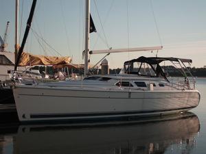 Used Hunter 41 Deck Salon Cruiser Sailboat For Sale