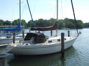Used Columbia 9.6 Racer and Cruiser Sailboat For Sale