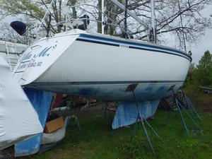 Used Hunter Legend Cruiser Sailboat For Sale