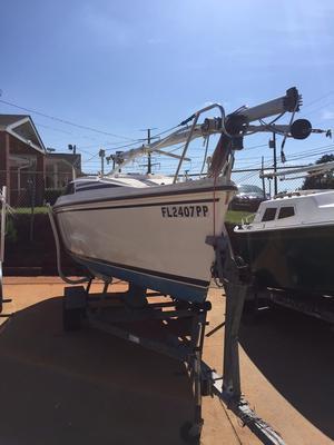 Used Hunter 18.5 Daysailer Sailboat For Sale