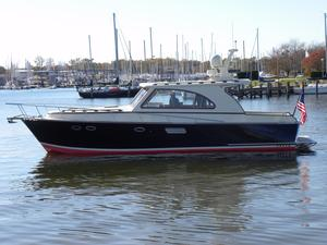Used Windsor Craft By Vicem Yachts 40 Enclosed Salon Express Cruiser Boat For Sale