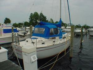 Used Irwin Center Cockpit - Sloop Cruiser Sailboat For Sale