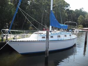 Used Hunter 33/sl Cherubini Antique and Classic Boat For Sale