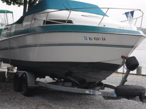 Used Four Winns 245 Vista Sports Cruiser Boat For Sale