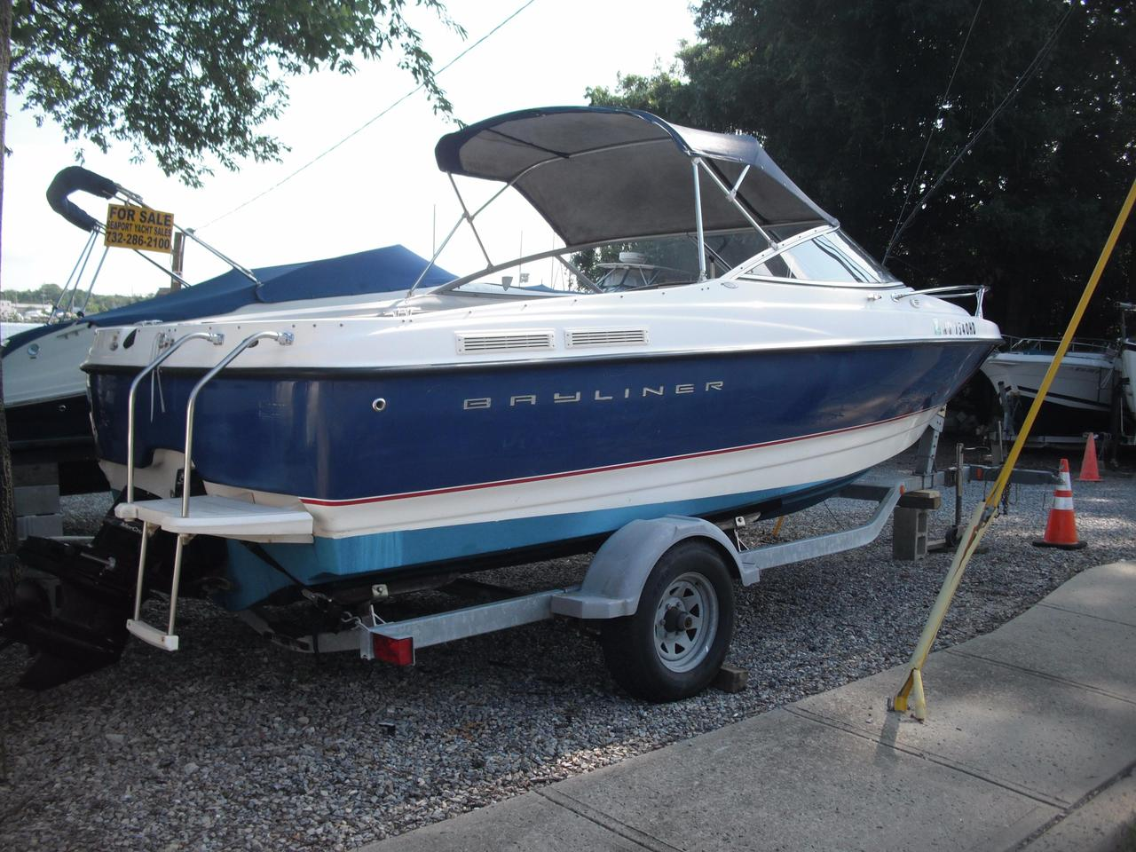2005 Used Bayliner 210 Cuddy Cabin Boat For Sale - $13,900