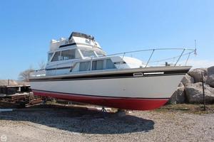 Used Marinette Sedan Express Cruiser Boat For Sale