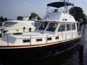 Used Grand Banks 43 Eastbay Flybridge Sedan Motor Yacht For Sale
