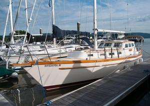 Used Mariner Pilothouse Sloop Cruiser Sailboat For Sale
