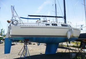 Used Freedom Yachts 29 Cruiser Sailboat For Sale