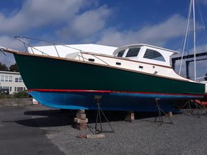 Used Robert Rich Classic Downeast Hardtop 34 Express Cruiser Boat For Sale