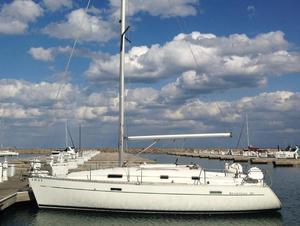 Used Beneteau. 331 Cruiser Sailboat For Sale