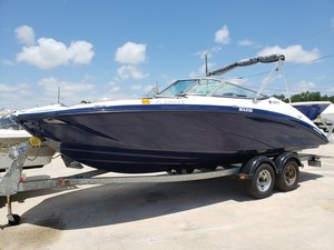 Used Yamaha SX210SX210 Ski and Wakeboard Boat For Sale