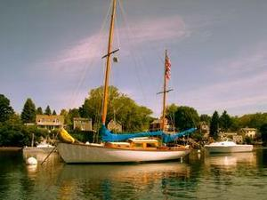 Used Herreshoff H 28 Antique and Classic Boat For Sale
