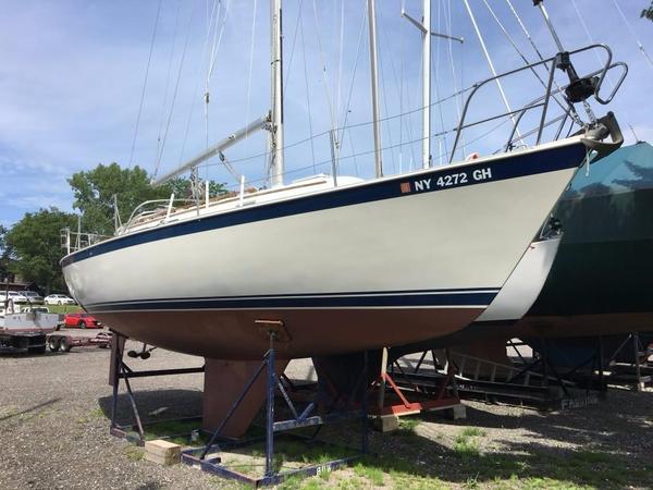 Used Niagara 31 Cruiser Sailboat For Sale