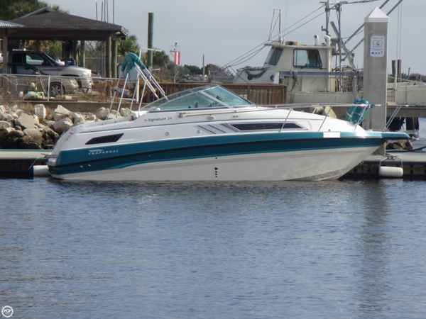 Used Chaparral 24 Signature Express Cruiser Boat For Sale